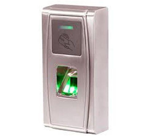 Kiểm soát cửa độc lập bằng vân tay & thẻ TITA 9X